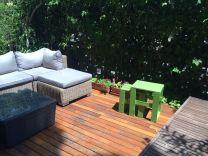 Mesas terraza verde desgastado